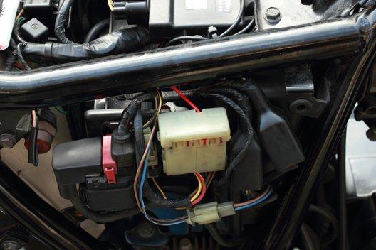 250TR 平型ヒューズ電源