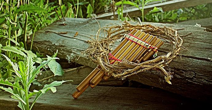 手ノコギリを使って木材を自力で垂直にまっすぐ切る方法。
