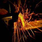 金属やコンクリートの切断、研磨にディスクグラインダーの選び方!