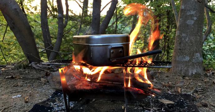 キャンプで簡単に米を炊く方法とアイテム!誰でも美味しく炊ける。